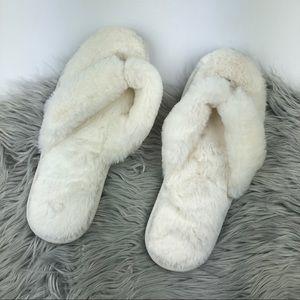 Spa puffy sandals size M / L